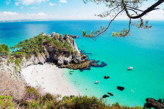 La plage de l'Ile Vierge en Bretagne