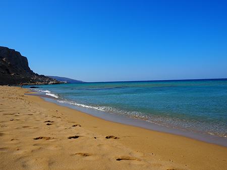 red beach crète