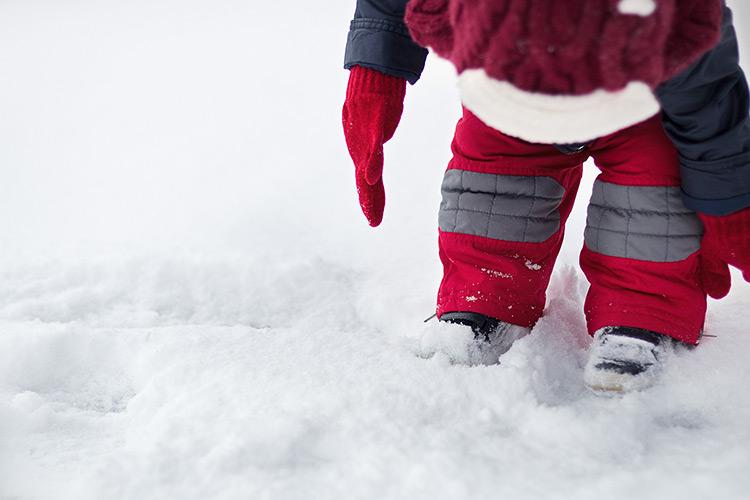 bebe vacances hiver montagne