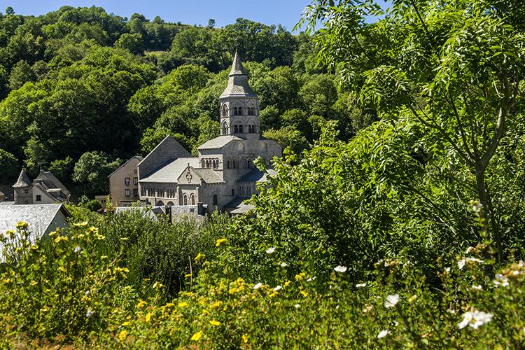 vue saint sauves, village vacances en auvergne